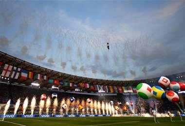 Una de las imágenes que publicó la UEFA en su cuenta de Twitter
