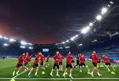 La selección de Turquía entrenó este jueves en estadio de Roma. Foto: AFP