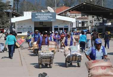 En la frontera cientos de familias viven del comercio bilateral