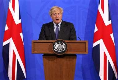 Boris Johnson anunciando las nuevas medidas contra la variante Delta