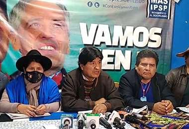 Evo Morales salió a defender la vacunación de su hija sin que le corresponda la edad