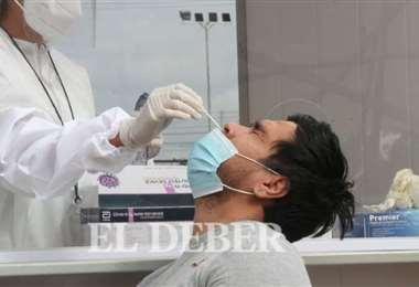 Más de 7000 pruebas se procesaron esta domingo/Foto: EL DEBER
