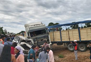 El accidente más grave fue protagonizaron por una camioneta y un camión.