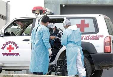 El sistema de salud continua saturado por la cantidad de contagiados activos. APG