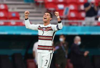 El festejo de Cristiano Ronaldo tras uno de sus goles ante Hungría. Foto: AFP