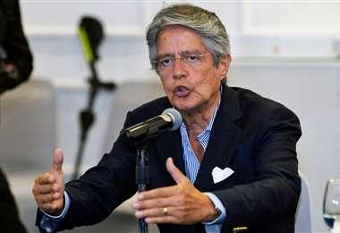 El recientemente posesionado mandamás ecuatoriano inicia una política de austeridad