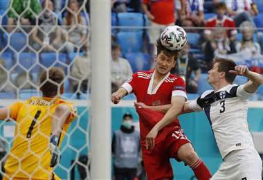 Aleksei Miranchuk (de rojo) hizo el único gol del partido. Foto: AFP