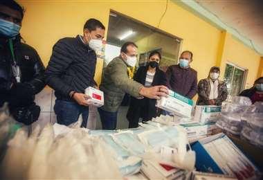 Camacho entregó material sanitario en San Julián