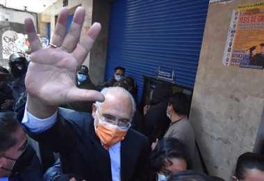 El expresidente al salir de la Fiscalía en La Paz (Foto: APG Noticias)