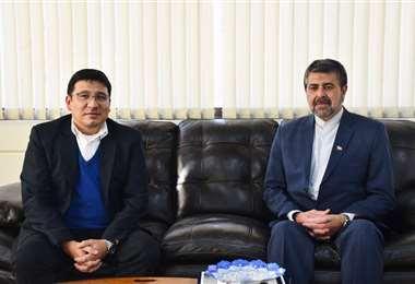 El ministro Franklin Molina reunido con el embajador iraní