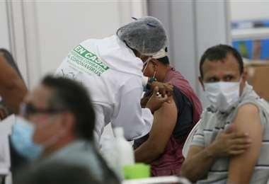 Foto Jorge Ibáñez: este miércoles se vacunó a 7.978 personas mayores de 40 años.