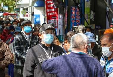Foto APG: este jueves Bolivia volvió a superar los 2 mil contagios diarios de coronavirus.