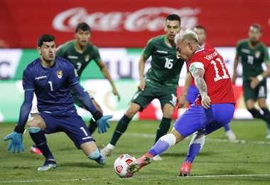 Carlos Lampe, fue titular contra Chile por las eliminatorias el 8 de junio. Foto: AFP