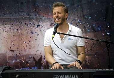 Critican al cantautor por su comentario sobre Argentina y Europa