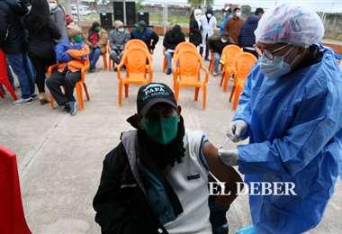 Sedes llega a Palmasola para vacunar a la población carcelaria. Foto: J. Ibáñez
