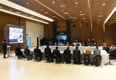 Este viernes Jhonny Fernández se reunión con los empresarios privados.