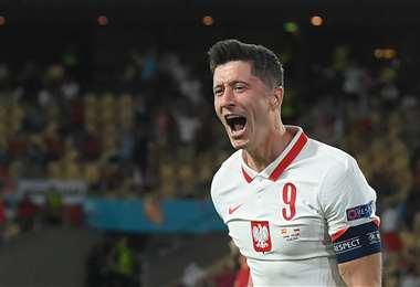Robert Lewandowski le dio el empate este sábado a Polonia. Foto: AFP