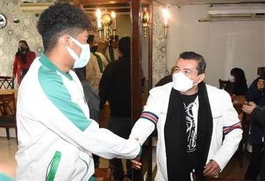 El alcalde conversó con los integrantes del seleccionado en el hotel Yotaú