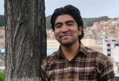 Gabriel Mamani tiene 34 años y varios premios ganados por sus textos