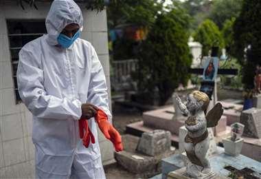 Cochabamba, solo hoy, superó los mil contagios. Bolivia llora 115 muertos