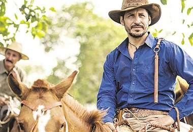En 2019 interpretó a un recio vaquero en el filme Santa Clara.