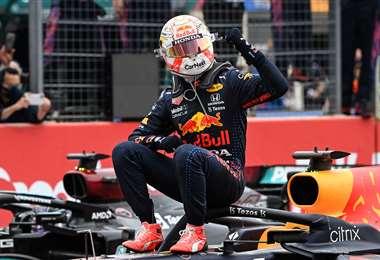La celebración de Verstappen, que ganó este domingo el GP de Francia. Foto: AFP