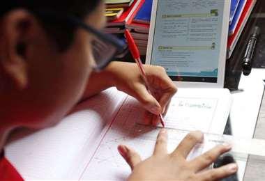 Foto El Deber: las clases retornarán en las modalidades que determinen las autoridades