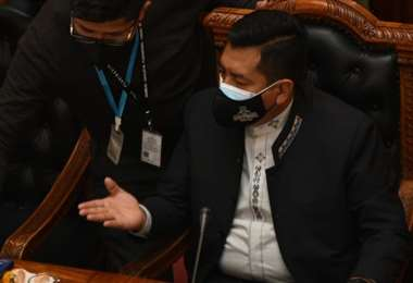 El presidente de Diputados dirige la sesión
