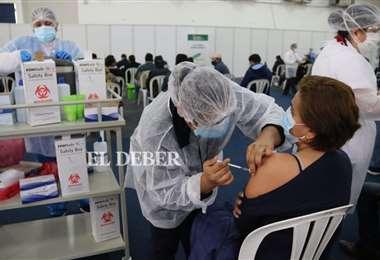 Llegan más vacunas para Santa Cruz. Foto Juan Carlos Torrejón
