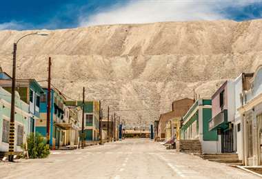 La mina de cobre a cielo abierto más grande del mundo, Chuqicamata, está en Chile