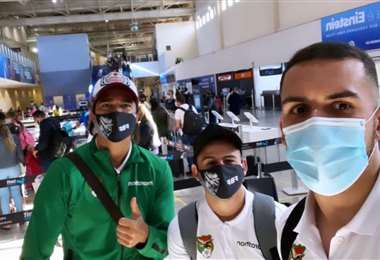 Martins (izq.), Vaca (c.) y Haquin en el aeropuerto de Goiania. Foto: Luis Haquin