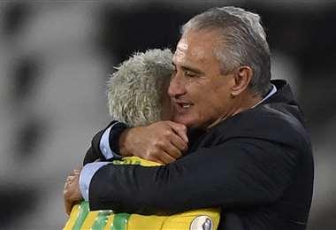 Tite considera a Neymar jugador clave en la selección de Brasil. Foto: AFP