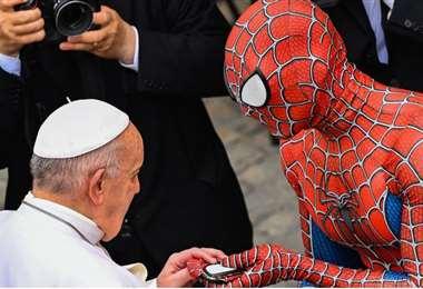 Es la primera vez que un personaje de cómics asiste a una audiencia papal