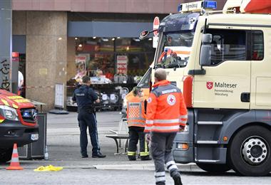 La policía alemana redujo al agresor. Foto. Internet