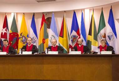 Los seis magistrados de la Corte IDH deliberaron sobre el pedido de Colombia