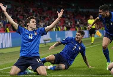 Federico Chiesa abrió el camino de la victoria para Italia. Foto: AFP