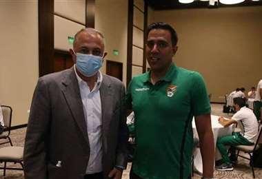 César Farías (dcha.) cuenta con el apoyo de Fernando Costa. Foto: Internet