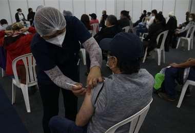 Foto Hernán Virgo: Este viernes se registró la cifra más alta de vacunados en un solo día.