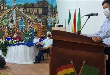 Montaño, en Guayaramerin, anunciando el inicio de obras