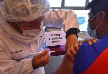 Continúa la vacunación masiva en el país/Foto: APG