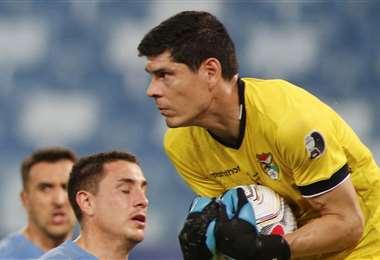 Carlos Lampe durante el partido ante Uruguay, jugado el jueves. Foto: AFP