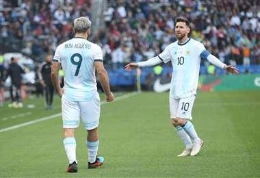 Agüero y Messi, amigos y compañeros de selección. Foto: internet