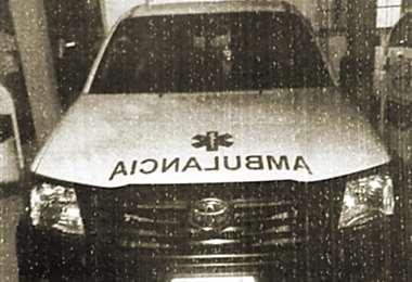La ambulancia interceptada donde fue rematado el ganadero