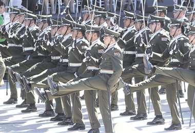 Los ascensos y los cambios de destino en las fuerzas del orden están congelados por este d