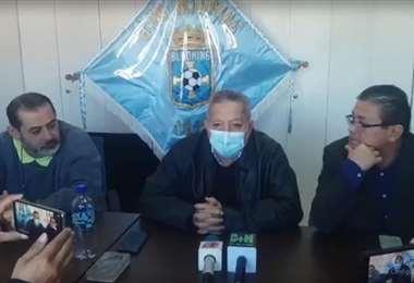 Rojas (izq.), Bendek (c.) y Dorado, durante la rueda de prensa. Foto: Captura de pantalla