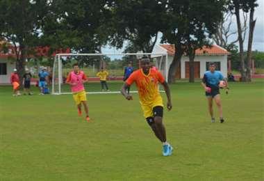 Guabirá continúa con su preparación en Montero. Foto: CG