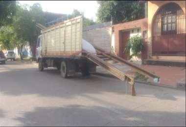 Trasladaban las rieles robadas en un camión Foto: Policía