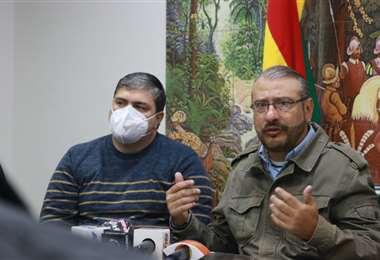 Foto Prensa Comité: esta mañana, Rómulo Calvo se refirió al cupo de vacunas ofrecido.