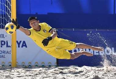 Bolivia no pudo evitar otra derrota en fútbol playa. Foto: Conmebol