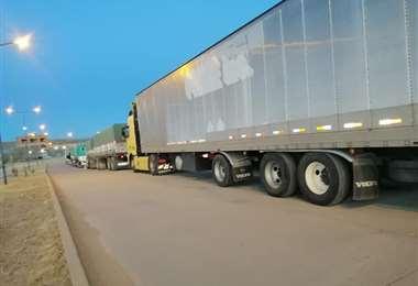 El bloqueo del puente impidió el paso de camiones varados en La Quiaca